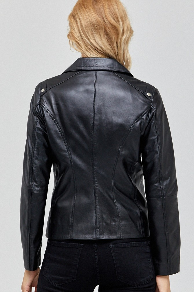 can real leather jackets get wet